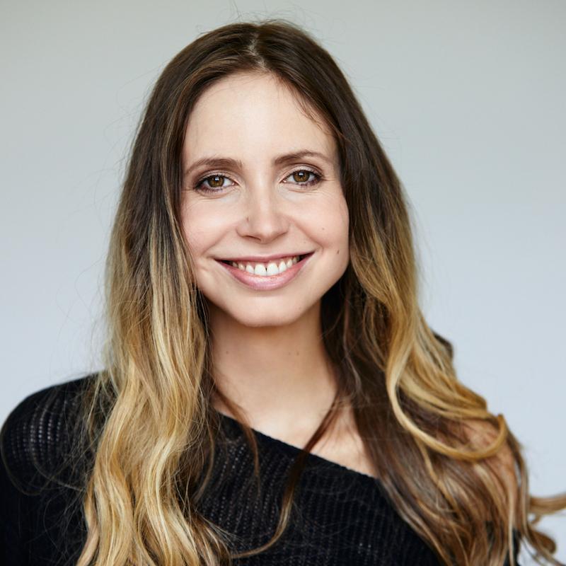 Vortrag Gedächtnistraining: Porträtfoto Vortragsrednerin Christiane Stenger