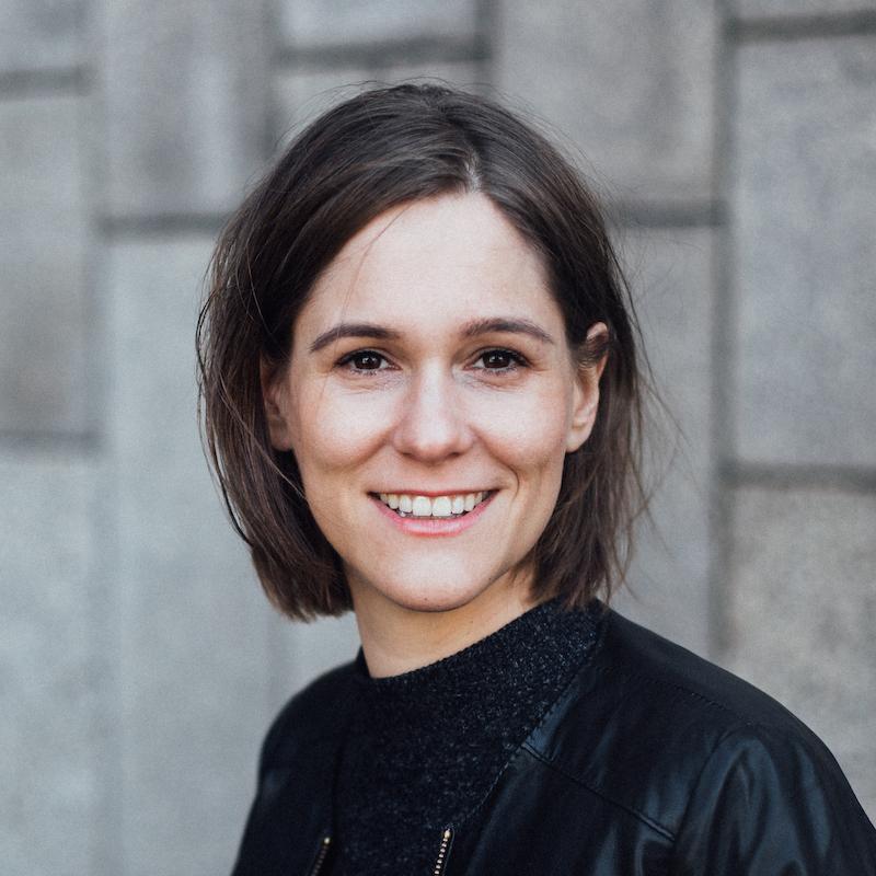 Vortrag Medien: Porträtfoto von Vortragsrednerin Gina Schad