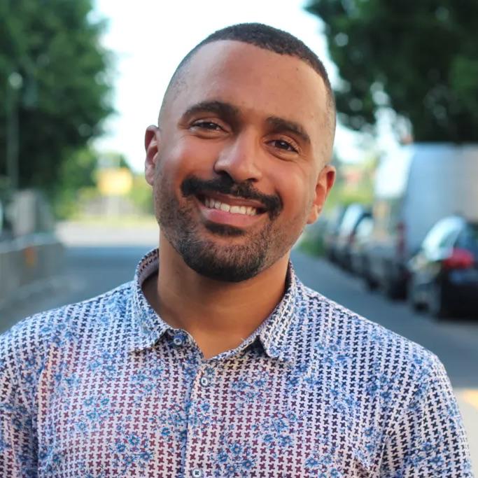 Vortrag Rassismus: Porträtfoto von Vortragsredner Malcolm Ohanwe